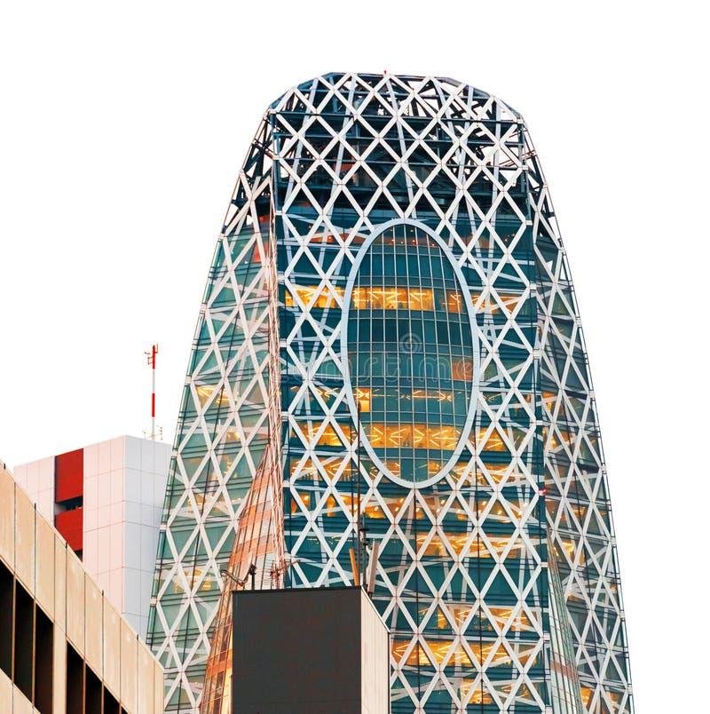 东京,日本- 2017年10月31日:大厦`方式Gakuen茧塔`的看法 背景查出的白色 免版税库存照片