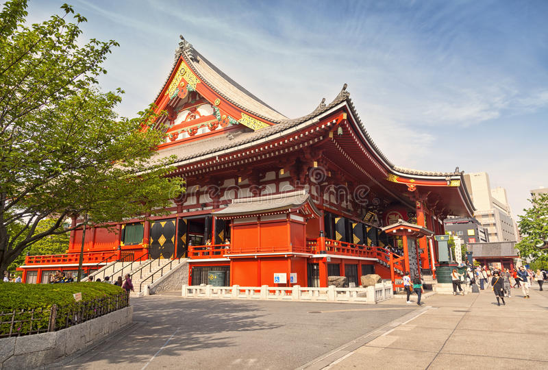 东京-大约2016年6月:Sensoji籍红色日本寺庙在浅草,东京, 5月16,2016的日本 免版税库存图片