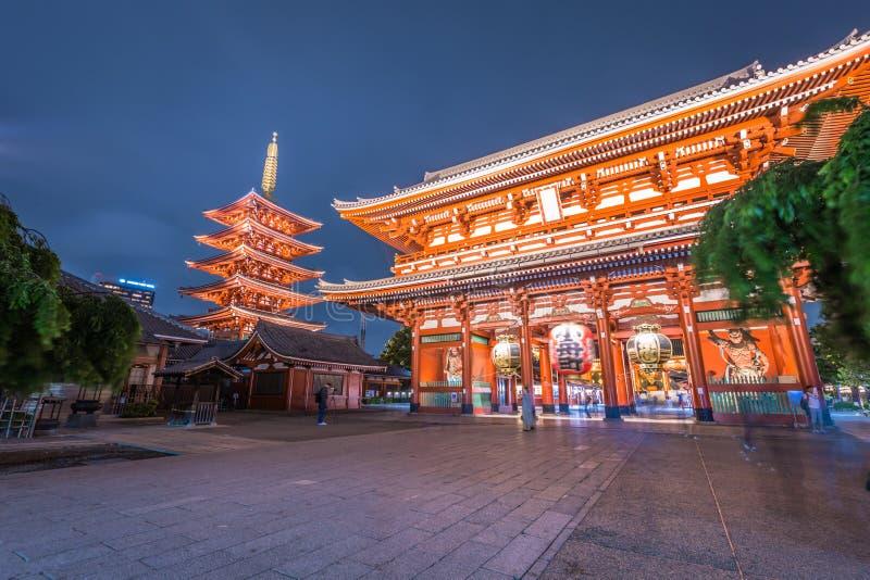 东京- 2019年5月20日:Sensoji寺庙的夜射击在浅草,东京,日本 免版税图库摄影
