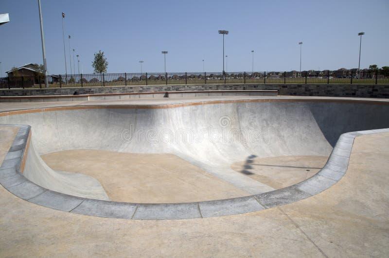 东北社区公园的Frisco TX冰鞋公园 免版税库存图片