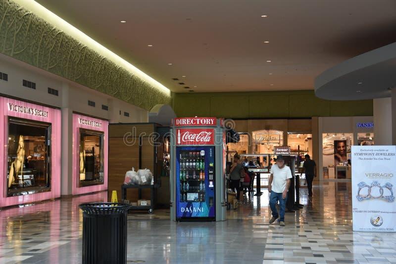 东北镇购物中心在Hurst,得克萨斯 库存照片