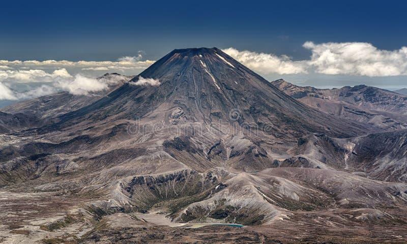 东格里罗国家公园的(新西兰)瑙鲁霍伊火山 免版税图库摄影