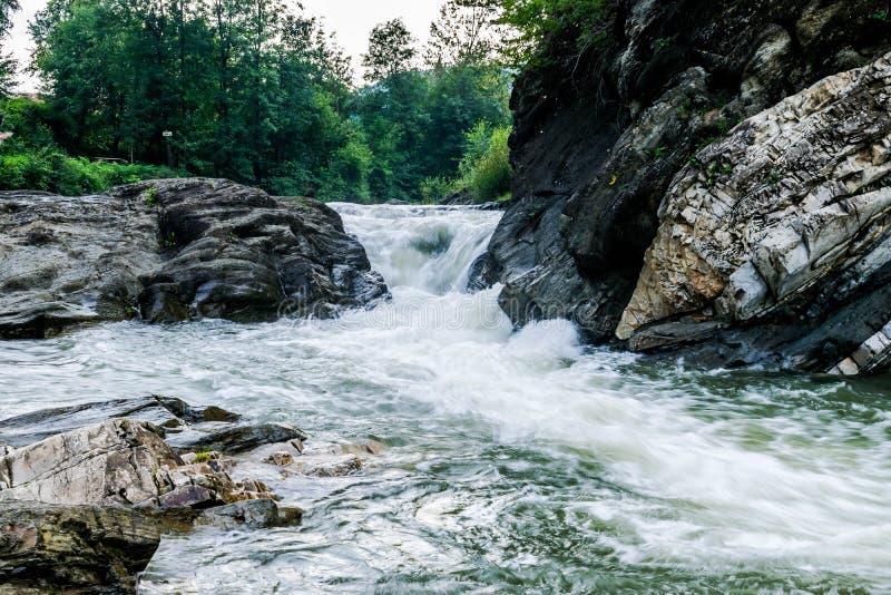 东欧山河的流程  免版税图库摄影