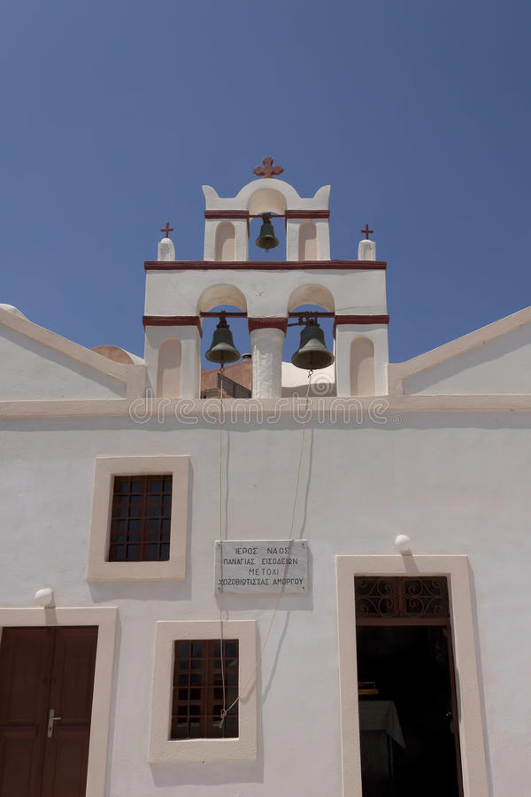 东正教的钟楼在Oia 免版税库存照片