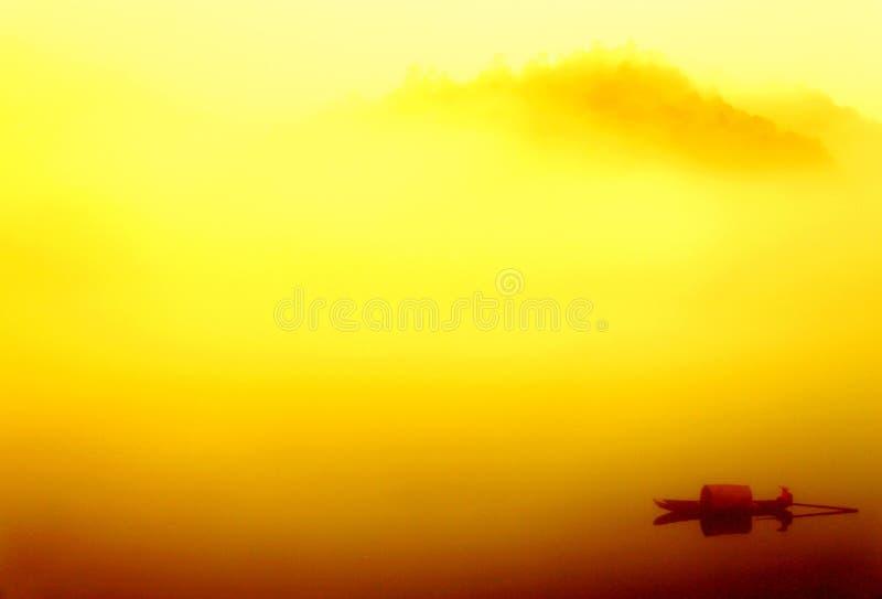 东江的有雾的仙境 免版税库存图片