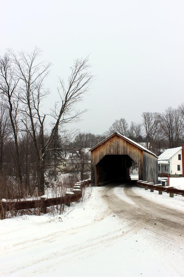 东部费尔菲尔德被遮盖的桥 库存图片