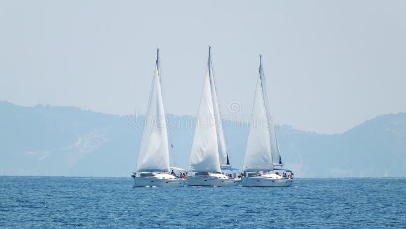 东部更日本种族俄国海运游艇 图库摄影