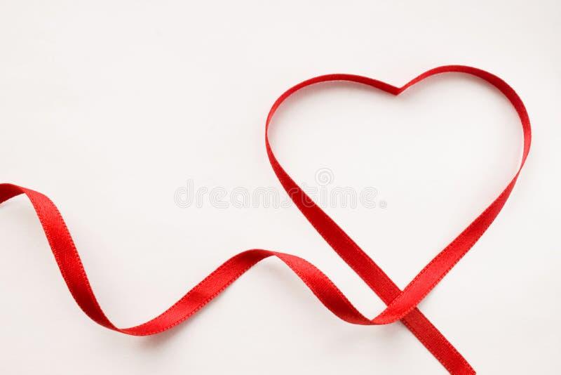 丝带心脏 免版税库存照片