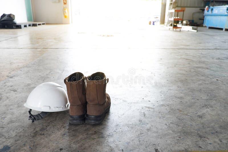 丝毫背景的个体防护用品PPE 免版税库存图片