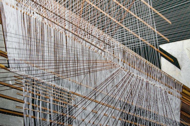 丝绸手编织的过程在泰国 库存照片