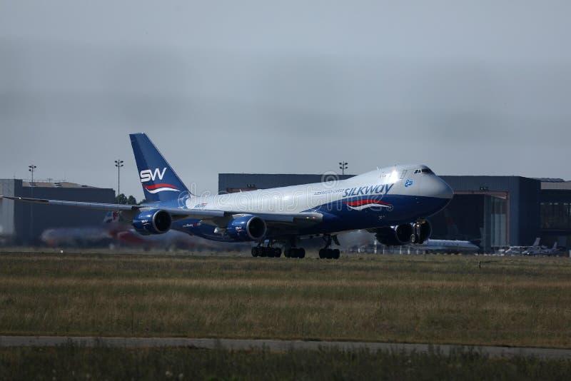 丝绸方式航空公司飞行离开从阿姆斯特丹史基浦机场,AMS 库存照片