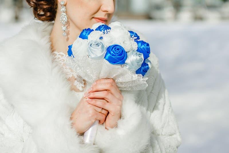 丝绸丝带新娘花束  库存照片
