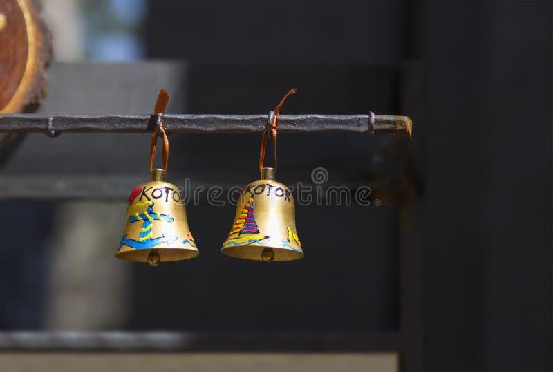 两与题字& x22的响铃; Kotor& x22; 黑山 免版税库存照片