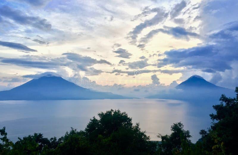 两个火山` s在帕纳哈切尔-墨西哥 免版税库存图片