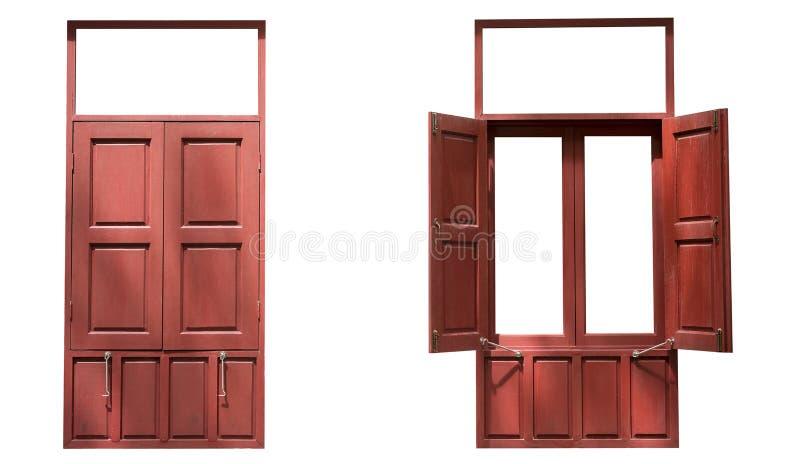 两个红色木双窗口在白色b隔绝的一开放一关闭 免版税库存图片