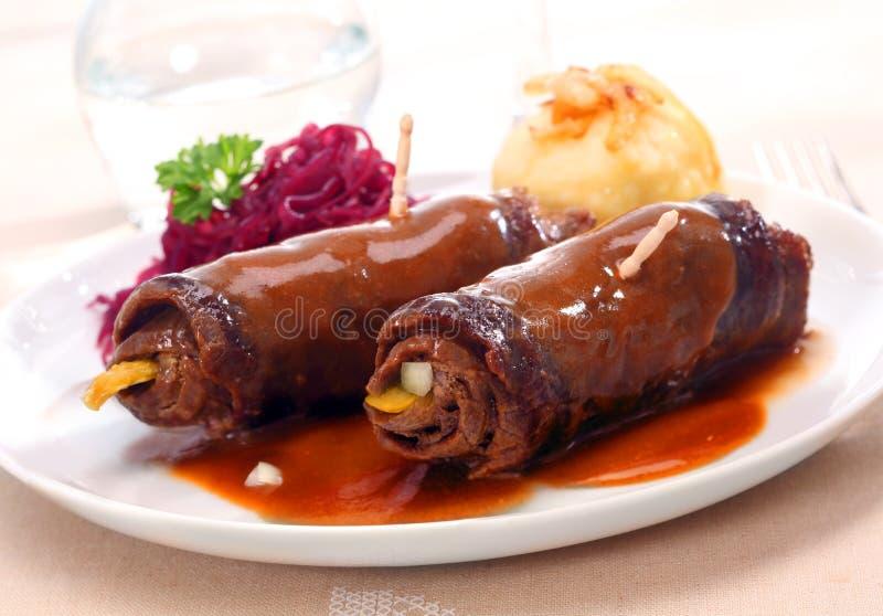 两个鲜美煮熟的肉卷 免版税库存照片