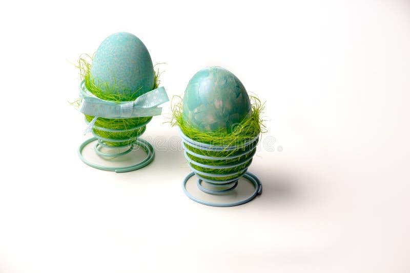 两个绿松石鸡蛋 免版税库存照片