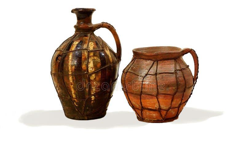 两个hutsul黏土水罐 免版税图库摄影