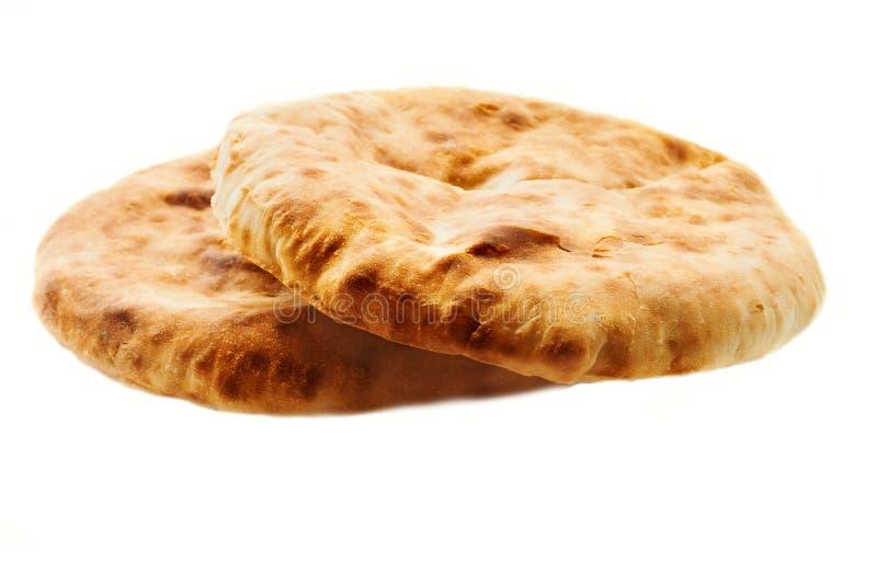 两在白色背景隔绝的新鲜的皮塔饼面包 皮塔饼面包特写镜头 免版税库存照片