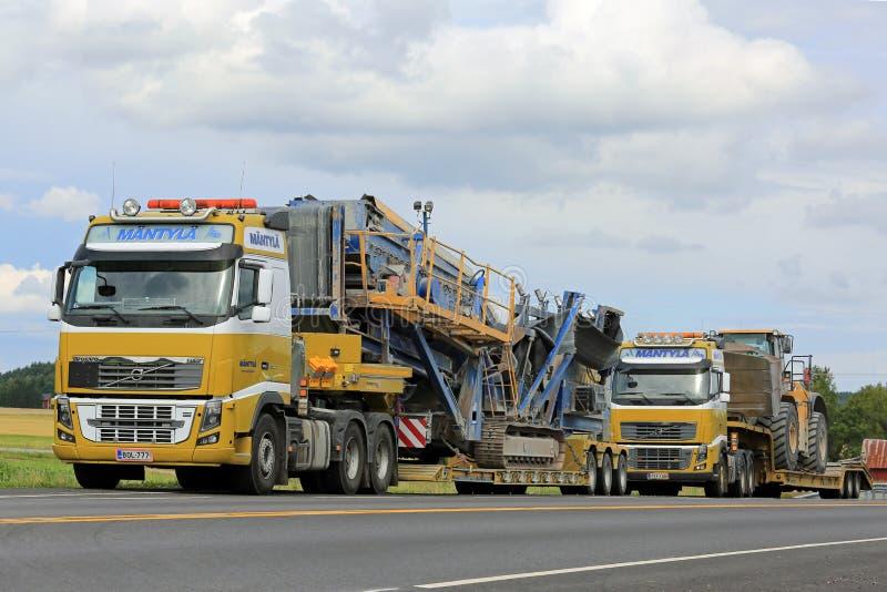 两富豪集团FH16半交换重的设备拖拉 库存图片