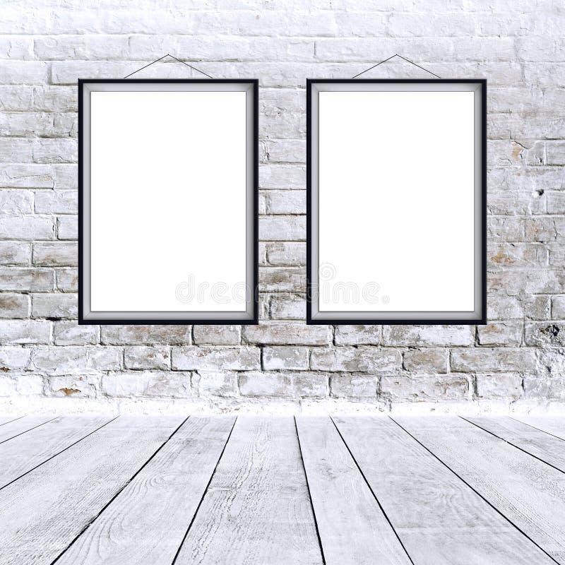两张在黑框架的空白的垂直的绘画海报 免版税图库摄影