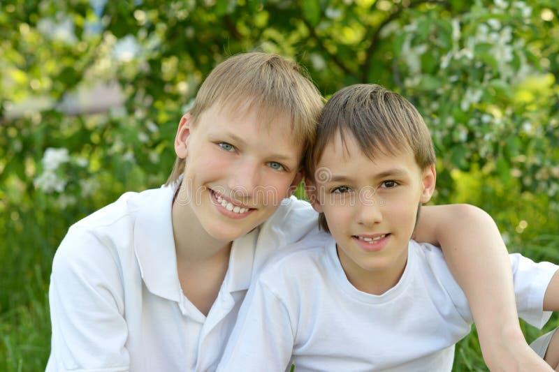 两快乐的人 免版税库存图片