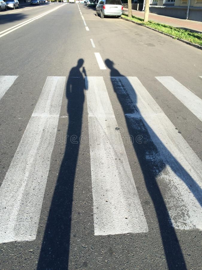 两我们在路,阴影 库存照片