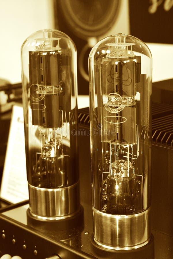 两电子真空管放大器 免版税图库摄影