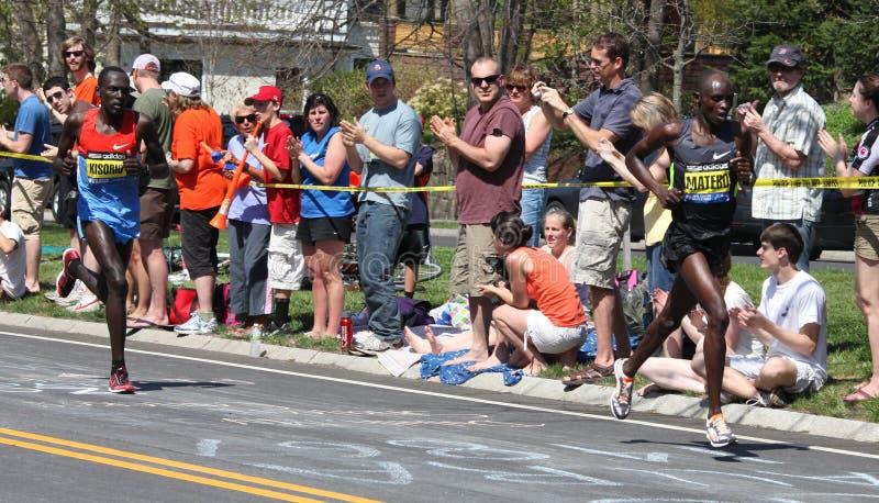 两的波士顿肯尼亚kisorio马拉松matebo 免版税图库摄影