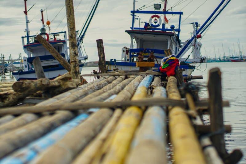 两艘停放的船 免版税库存照片