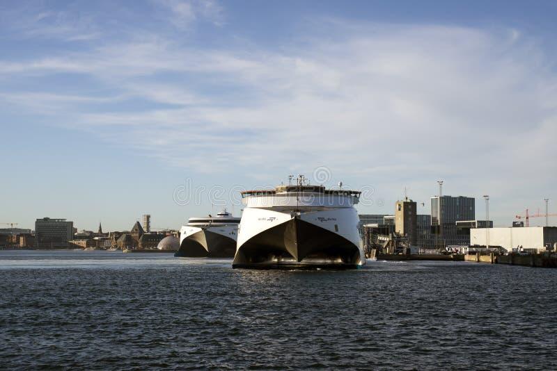 两艘高速渡轮在奥尔胡斯 库存照片
