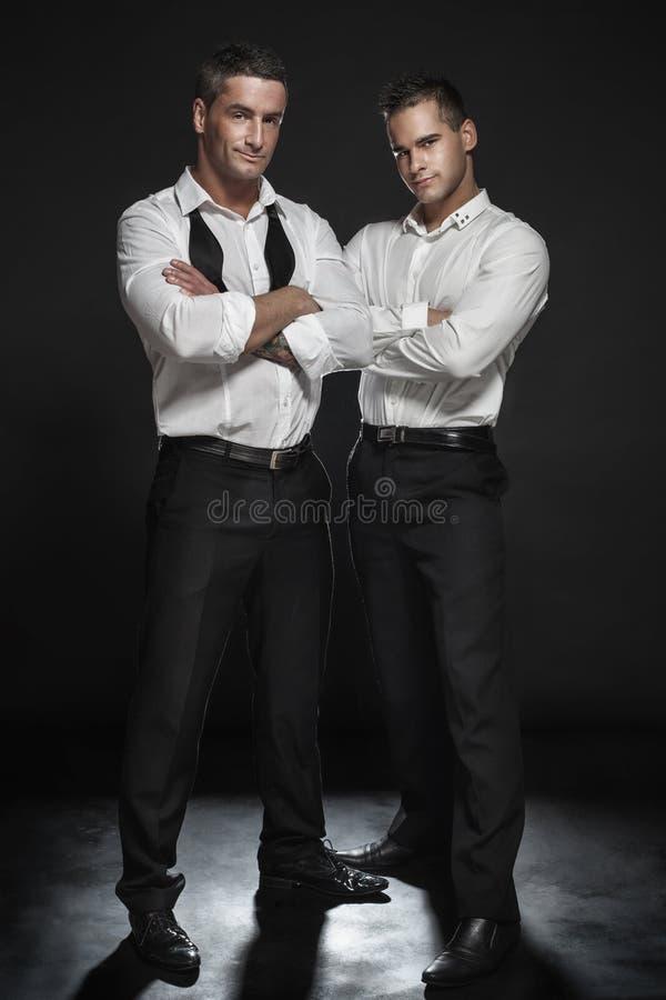 两英俊人摆在 库存照片