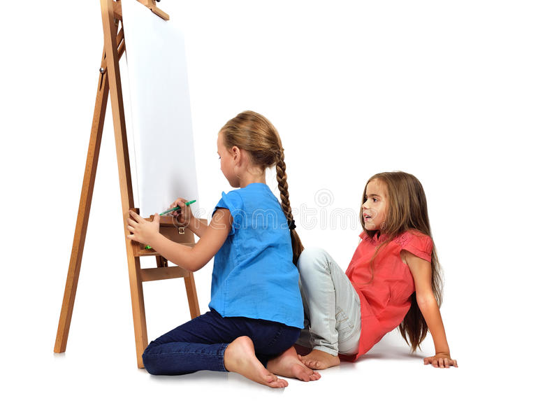 两赤足女孩绘 免版税库存照片