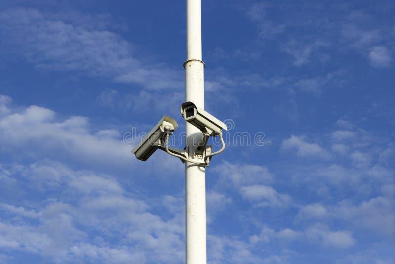 两部安全监控相机 免版税库存图片