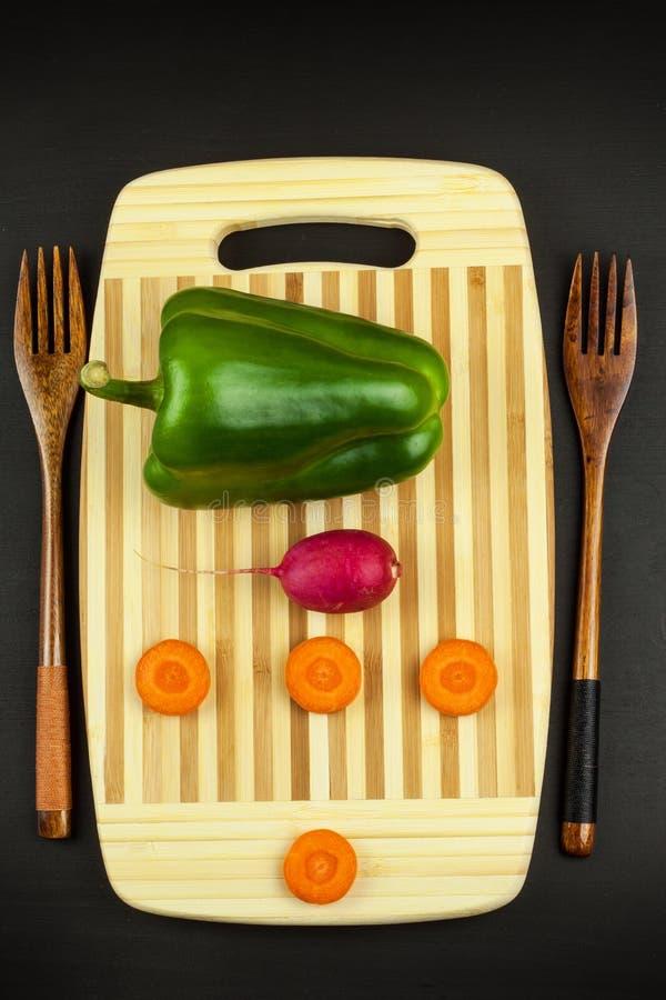 严密的菜饮食 原始的食物 素食食物 饮食生活方式的概念 库存照片