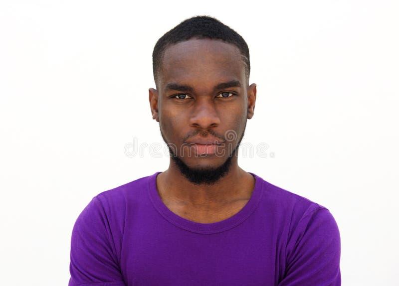 严肃的看起来的年轻非洲人 库存图片