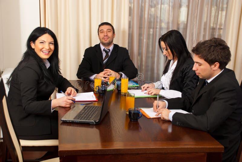 严重企业愉快的会议的人员 库存图片