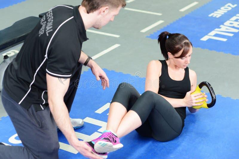个人教练员锻炼 免版税库存图片