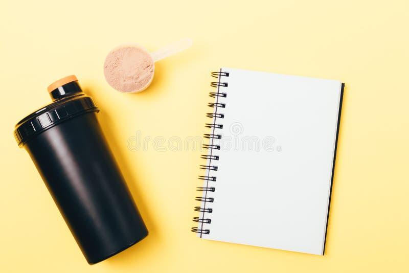 个人蛋白质振动器和粉末 免版税图库摄影