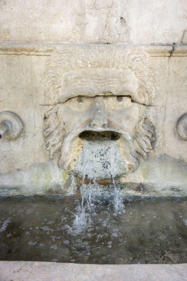 25个喷口喷泉细节, Xativa,西班牙 库存图片