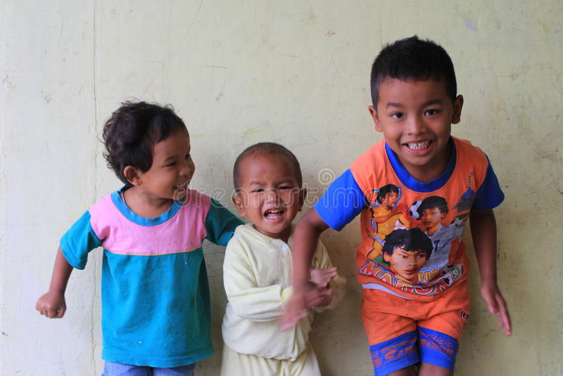 3个孩子samosir起源 库存图片