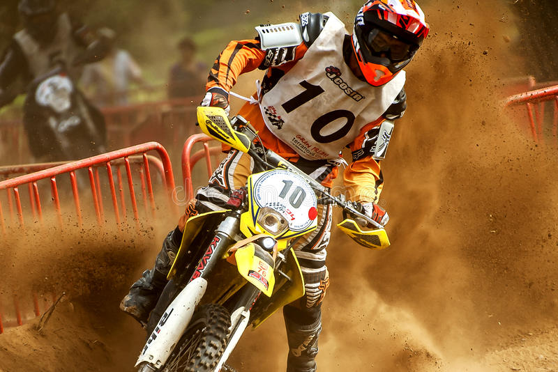 Download 24个小时摩托车越野赛长距离赛 编辑类库存图片. 图片 包括有 äº, 骑自行车的人, 齿轮, 循环, 双向地 - 59026944