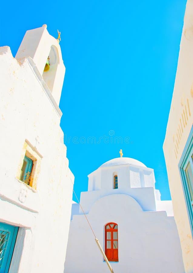 2个教会在阿莫尔戈斯岛 免版税库存图片