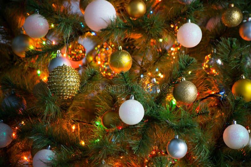 Download 2007个球圣诞节年 库存照片. 图片 包括有 雪花, äº, 明信片, 闪闪发光, 模糊的, 抽象, 蠢材 - 62532884
