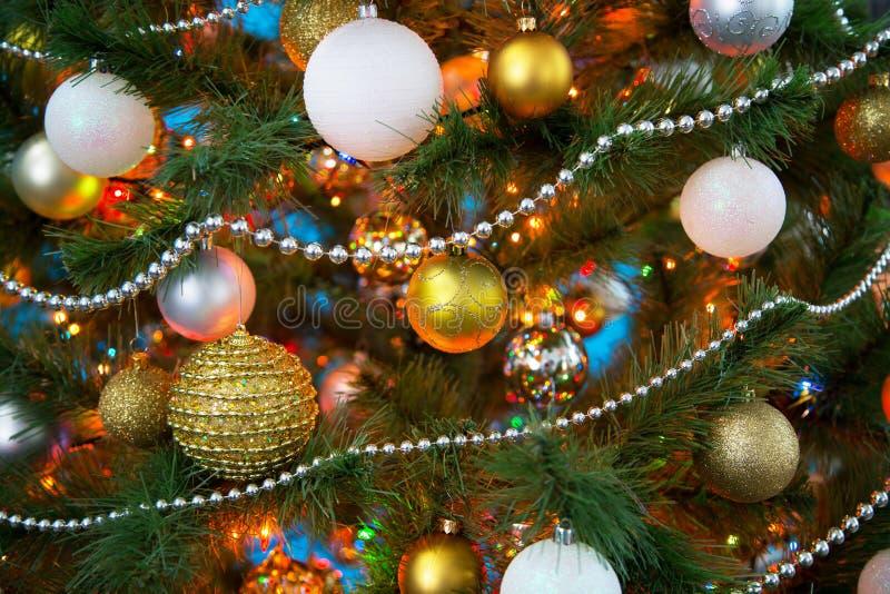 Download 2007个球圣诞节年 库存图片. 图片 包括有 闪闪发光, lit, 节假日, 背包, 闪烁, 雪花, 照亮 - 62532981