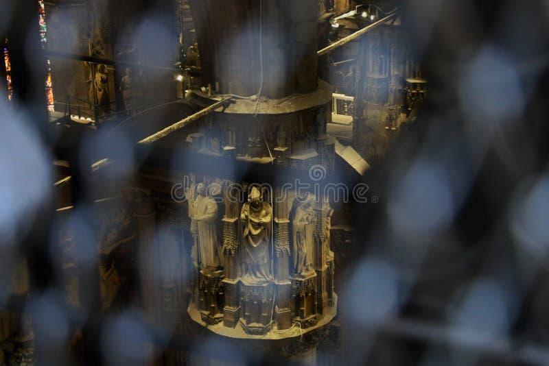 3个雕象在教会里 库存图片