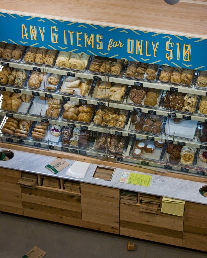 整个食物市场盛大开幕式 库存图片