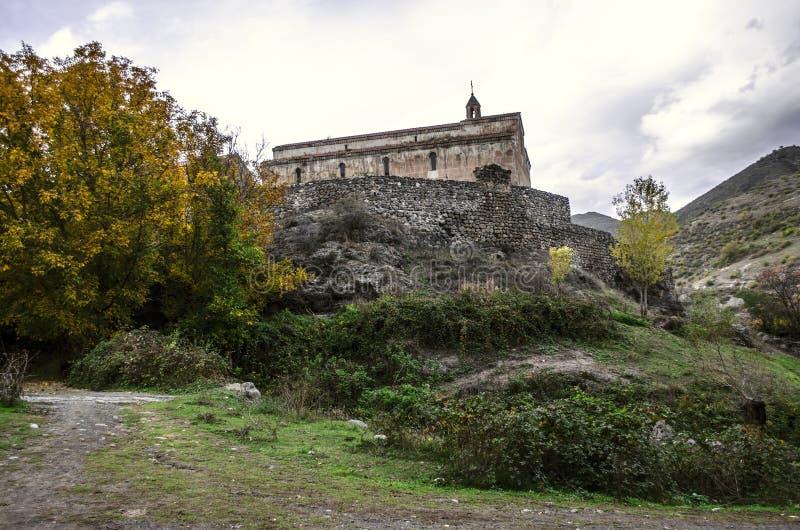 中世纪修道院Tsitsernavank的看法 免版税库存图片