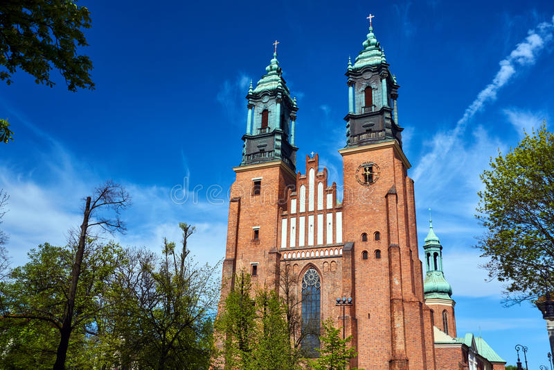 中世纪哥特式大教堂塔  图库摄影
