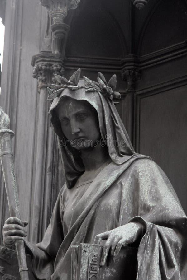 中世纪哲学家的雕象 图库摄影